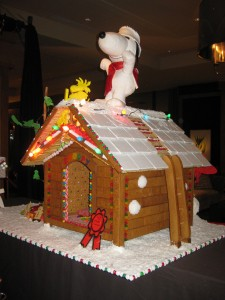 Peanuts Christmas Gingerbread House
